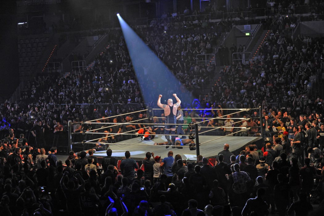 The Big Show jubelt (foto: neon ghosts)